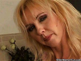 Curvy, antigas, mulher, grande, tits, dildoing, banheiro