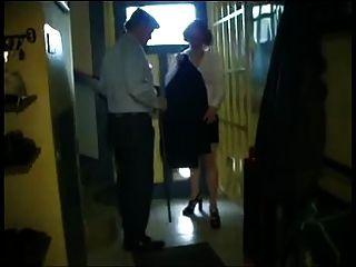 Duas putas francesas no trabalho 1 de 2