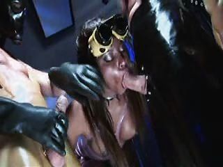 Jasmine webb ebony fetiche prostituta em dois mascarados galos