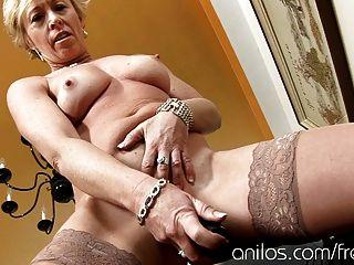 Madura dona de casa fode brinquedo vibrando sexo