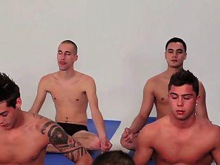 Gay gangs gang bang grupo twinks schwule jungs