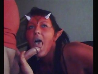 Horny devil chick sucks dick e come cum