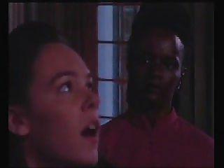 A menina é punida no escritório dos headmasters