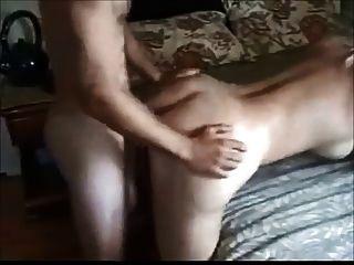 Grande boobed esposa fodida por garoto mais novo