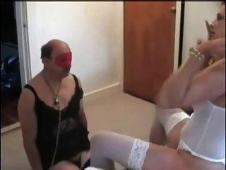 Esposa cucks seu marido
