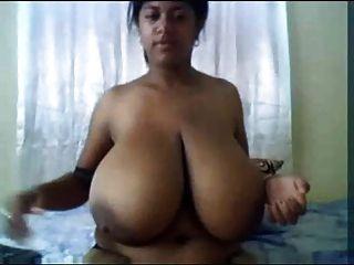 Indiana enorme enorme mamas masturbação amador