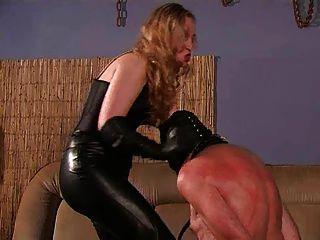 Uma amante estrita e seu escravo