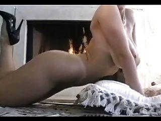 Danni ashe boobs em chamas (seu primeiro vídeo)