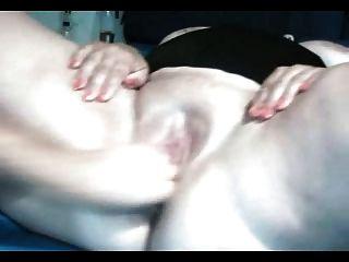 A menina do bbw obtem sua vagina fisted