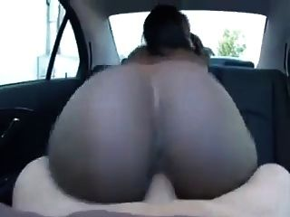 Creampie no carro