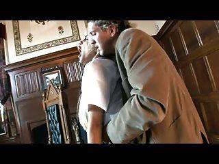 British slut carmel moore fica fodido em seu uniforme