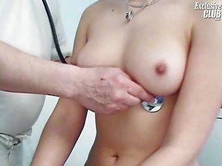 Camilla gyno cadeira pussy speculum exame na clínica kinky gyno