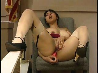 O julgamento de mika tan engraçado anal dildo