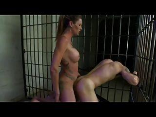 Transexual fode escravo