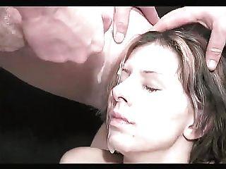Bukkake menina com peitos falsos 2