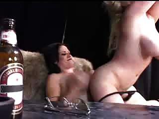 Milfs lustful com dildos enormes
