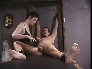 Eletro tortura para escravo