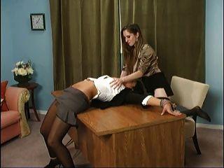Natalie ataca novamente!(Vagina, pés e adoração do burro)
