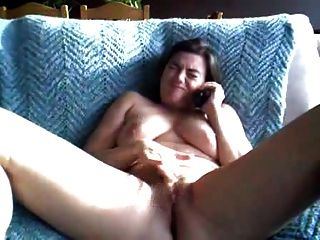 Orgasmo duplo chubby através de sexo por telefone