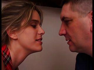 Mulher francesa está fucking infront de seu marido