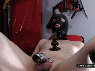 Treinamento anal e de castidade part1
