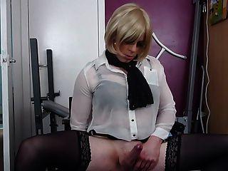 Cums tranny sexy