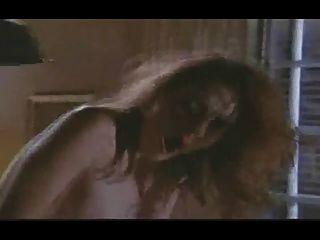 A menina orgasmic do vintage tem orgasmos anal múltiplos