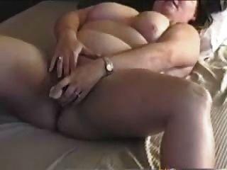 Bbw mamãe cums com os dedos e seus brinquedos
