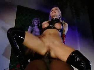 Sylvia saint em latex assfucks