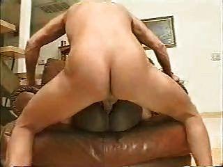 Orgasmo anal sério