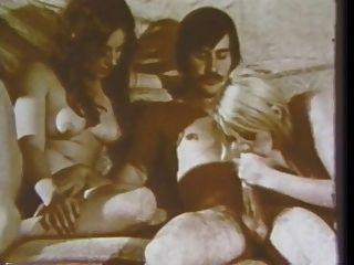 Vintage: old school peludo foursome