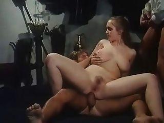 Menina quente com boobs grandes obter dp