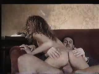 Assaltante fode esposa enquanto marido assistindo
