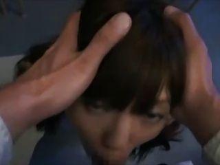 Menina japonesa bonito depois da escola facefuck e facial enorme
