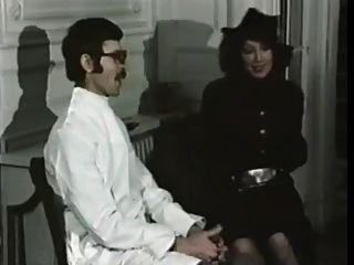 Enfermeiras gananciosas (1975)