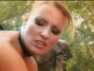 Trio soberbo na floresta com bônus anal