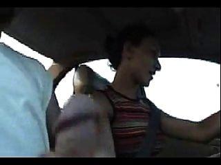 Handjob durante a condução