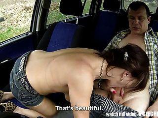 Prostituta tcheca milf fodido no carro