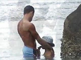 Flagra na praia foda praia