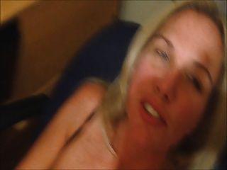 Esposa cums com cum em seu rosto