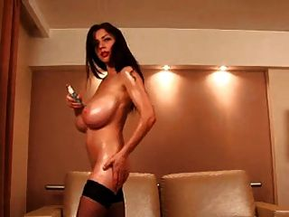 F60 grande boobs latex girl masturbate