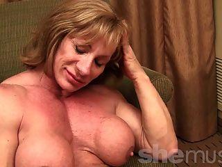 Músculo maduro showoff