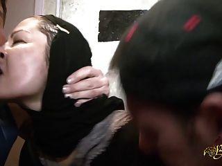 Naima achour defoncee par deux mecs para le beurette tour