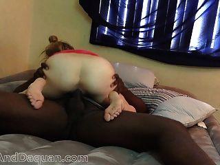 18 anos blonde jovem adolescente interracial fode n gags no capô