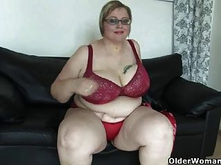 Bbw maduro com mamas enormes se masturba