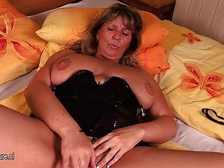 Busty, maduro, mãe, tracy, obtem, ela, molhados
