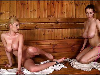 Incríveis grandes seios lésbicas