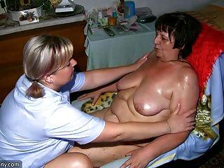 Gordinha gorda e gorda milf masturbando-se com um vibrador