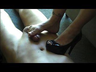 Dona de casa footjob shoejob