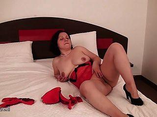 Amador, dona de casa, tocando, seu, pussy, cama